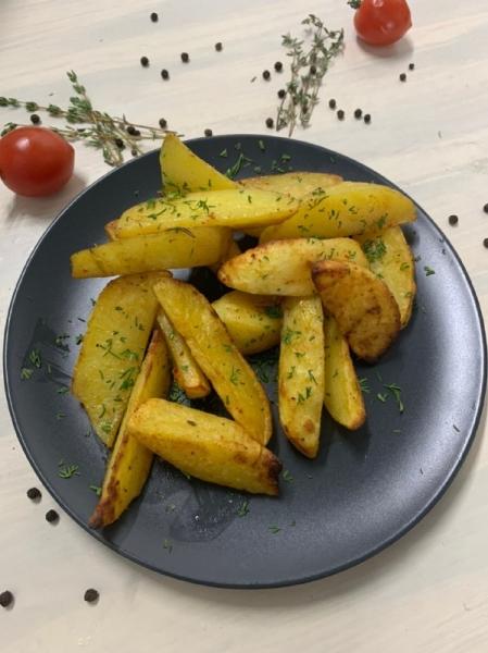 Картофельные дольки запеченые
